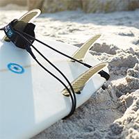 Surfboard Finnen und Leash